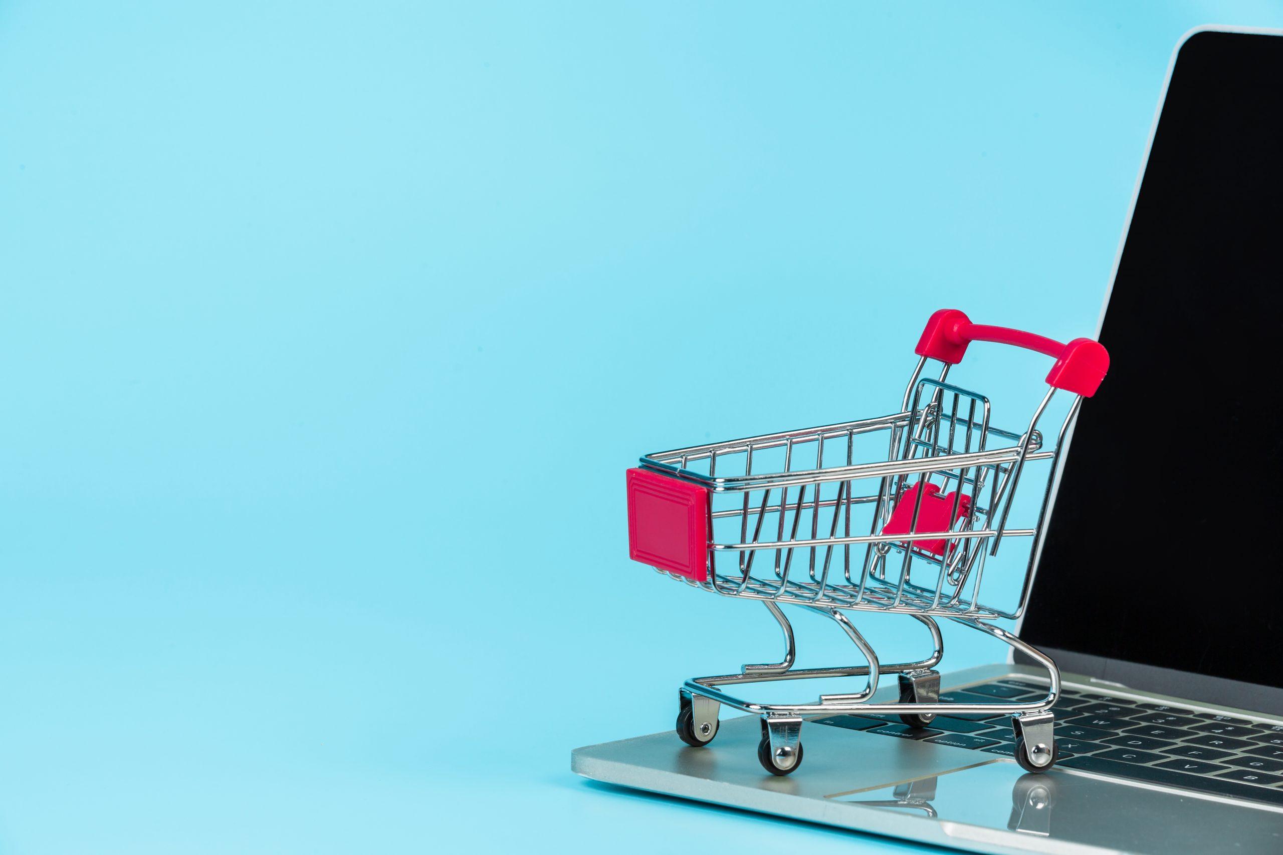 Antes de IPO, Nubank reforça oferta B2B e estreia no ecommerce comprando a Spin Pay